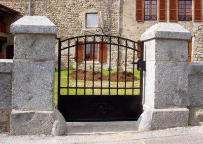 Portail ancien dans la Loire (42)
